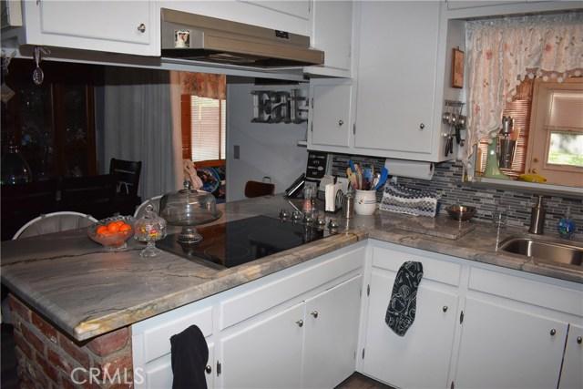 41631 55th W Street, Quartz Hill CA: http://media.crmls.org/mediascn/6d2933b6-15d8-41ca-8d6c-d6398b4c6bab.jpg
