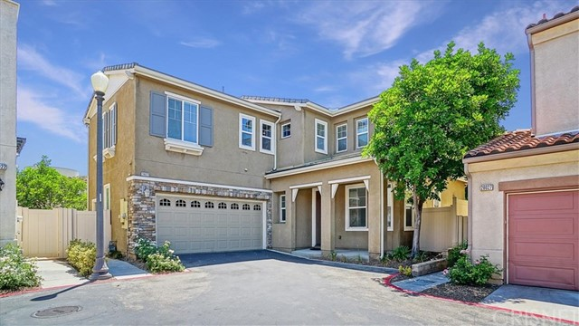 26023 Marquis Ct, Newhall, CA 91350 Photo
