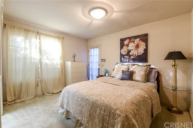 Additional photo for property listing at 19212  Stare Street 19212  Stare Street Northridge, California 91324 United States