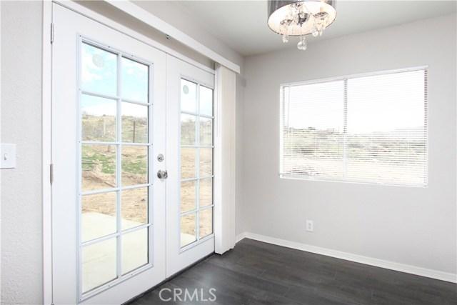 40003 167th E Street, Palmdale CA: http://media.crmls.org/mediascn/6d5ee39c-338f-4ac7-bc9e-969bbf5e53fc.jpg