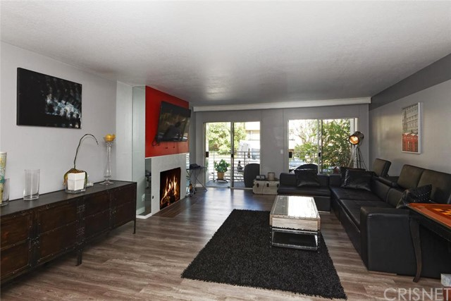 1129 Larrabee Street Unit 1, West Hollywood CA 90069