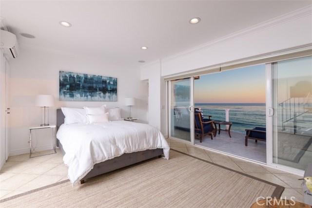11874 Beach Club Way, Malibu CA: http://media.crmls.org/mediascn/6ded4482-d516-4c8f-a34c-1491fe6e6512.jpg