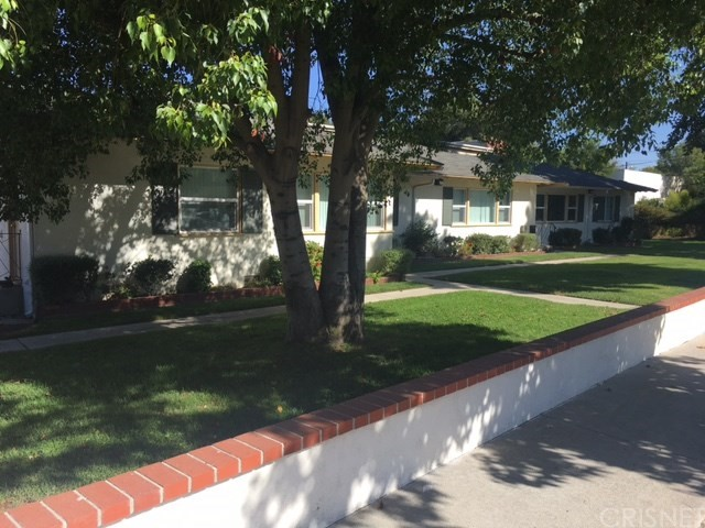 Single Family Home for Sale at 24403 Newhall Avenue Newhall, 91321 United States