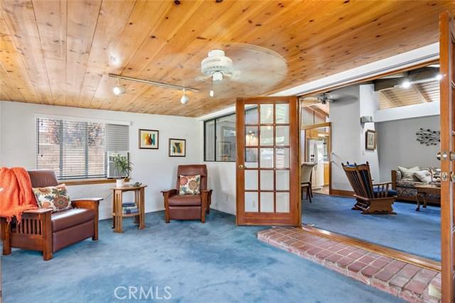 10624 Gaviota Avenue, Granada Hills CA: http://media.crmls.org/mediascn/6e304c66-14bd-4359-a7b8-aec782984fcc.jpg