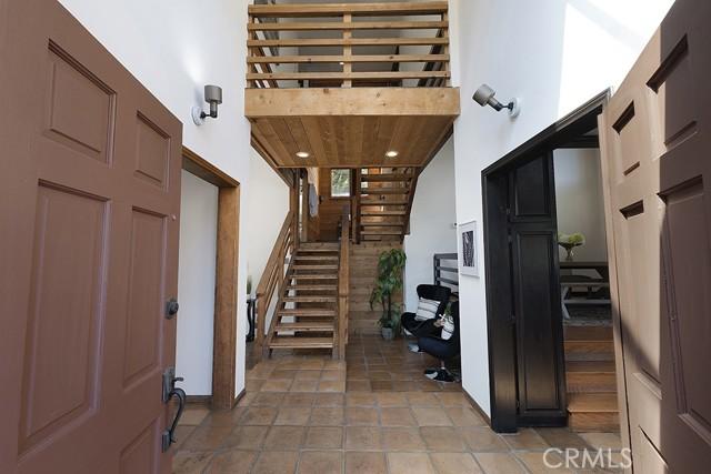 5245 Elvira Road, Woodland Hills CA: http://media.crmls.org/mediascn/6e460d36-f8a6-4338-874a-cf24f6b653e1.jpg