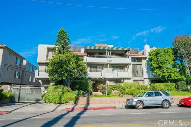 4311 Colfax Avenue, Studio City CA: http://media.crmls.org/mediascn/6e7990ab-4197-48ed-8068-17b40440e2de.jpg