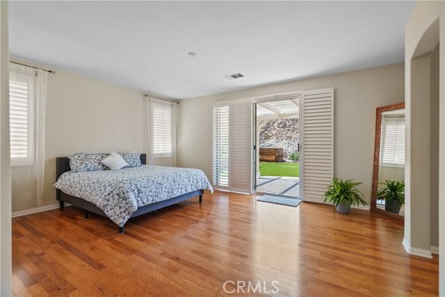31130 Riverdale Place, Castaic CA: http://media.crmls.org/mediascn/6e8fefde-b194-454e-afb5-76f3b7fa0004.jpg
