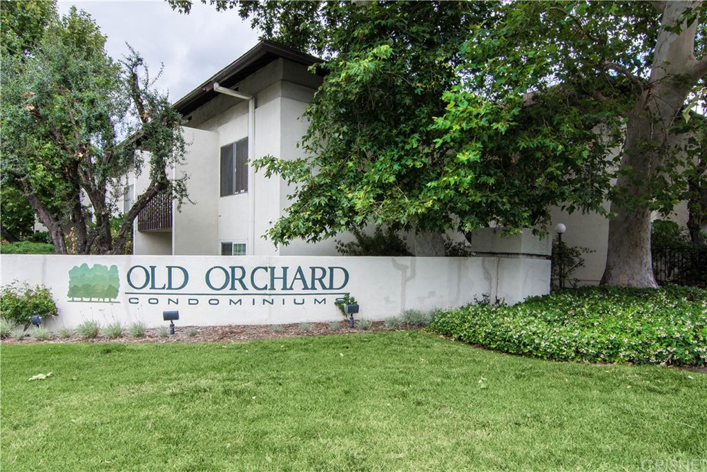 Two bedroom two bathroom unit in the desirable Old Orchard Community. First floor unit with patio, unit needs a little work. Great community HOA features pools, tennis courts, exercise room, club house, spa, laundry, storage and covered parking. Walking distance too shopping, restaurants and freeway.