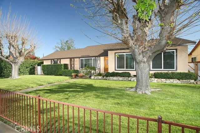 22300 Roscoe Boulevard, Canoga Park CA: http://media.crmls.org/mediascn/6ea4332c-4dc6-4965-8b1c-a424b0ee706f.jpg