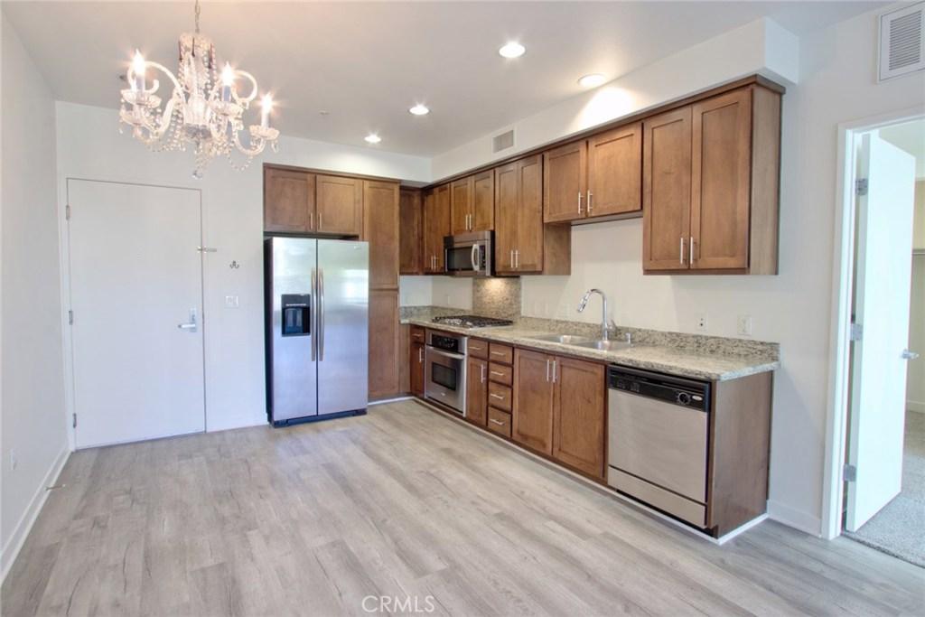 Photo of 21301 ERWIN STREET #426, Woodland Hills, CA 91367