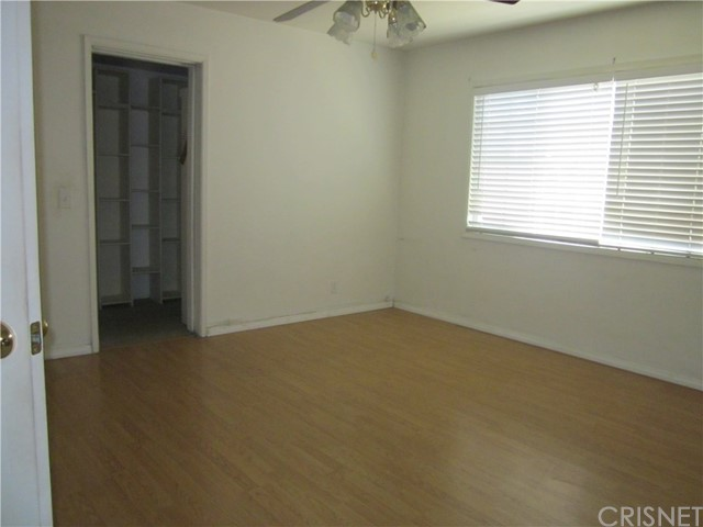 6624 Gross Avenue, West Hills CA: http://media.crmls.org/mediascn/6f3e5d5a-d544-48cb-9dd6-36224e98a90f.jpg