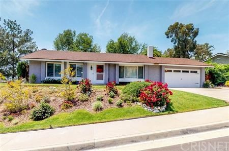 16922 Canvas Street, Canyon Country CA: http://media.crmls.org/mediascn/6f46c874-0497-45e5-8853-544570f94000.jpg