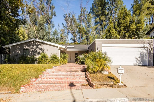 Single Family Home for Sale at 22845 Sparrowdell Drive 22845 Sparrowdell Drive Calabasas, California 91302 United States