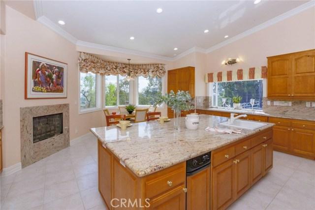 24833 Jacob Hamblin Road, Hidden Hills CA: http://media.crmls.org/mediascn/6f4cd95f-b3b5-4e8a-832f-ab9a6c3f5f03.jpg