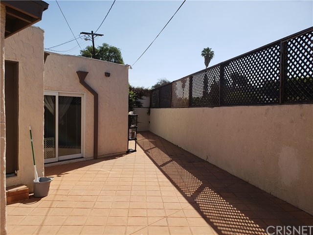 1706 S Burnside Avenue Los Angeles, CA 90019 - MLS #: SR18132644