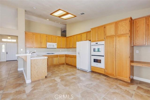 2801 Sunnyvale Road, Lancaster CA: http://media.crmls.org/mediascn/6f83562d-657e-4570-87cb-1e8e2c4310f5.jpg