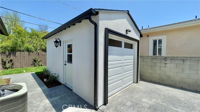 5166 Chimineas Avenue, Tarzana CA: http://media.crmls.org/mediascn/6f842fec-73dc-4672-93ce-1b16bb5b125e.jpg