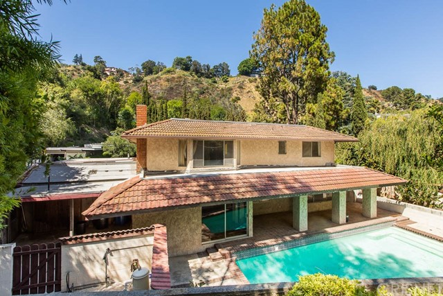 7606 Willow Glen Road - Los Angeles County, California