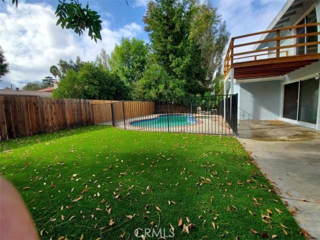 23230 Ladrillo Street, Woodland Hills CA: http://media.crmls.org/mediascn/6fae716d-e4fa-4c1c-a93e-137cb3774f82.jpg