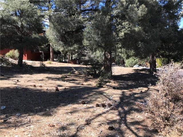 1917 Poplar Way, Pine Mtn Club CA: http://media.crmls.org/mediascn/6fb86c22-0b8a-42fb-bd55-9a1f8f7b2e8f.jpg