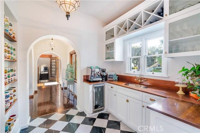150 Fern Drive, Pasadena CA: http://media.crmls.org/mediascn/6ff7ec5c-4a33-4235-bf60-7675e7eb95ba.jpg