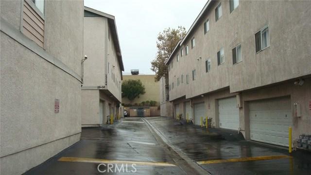 13144 Bromont Avenue, Sylmar CA: http://media.crmls.org/mediascn/700768b5-79a3-4b0f-9181-99dadeb9a09f.jpg