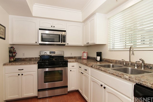 Additional photo for property listing at 11154 Huston Street Unit 2 11154 Huston Street North Hollywood, California 91601 United States