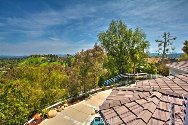24833 Jacob Hamblin Road, Hidden Hills CA: http://media.crmls.org/mediascn/7063c183-433b-4d0e-999e-55cf768964dd.jpg