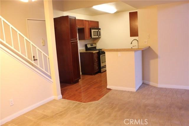 5540 Owensmouth Avenue 322, Woodland Hills, CA 91367