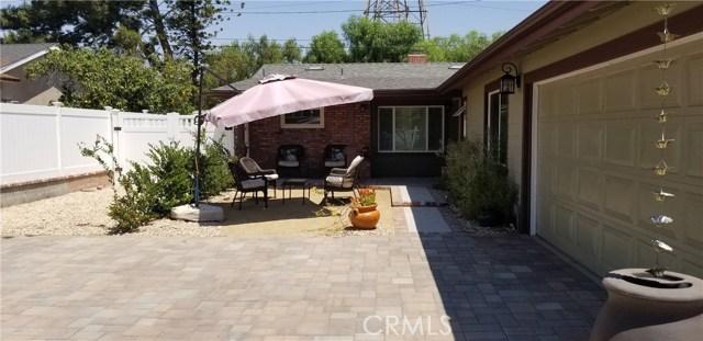 17233 Simonds Street, Granada Hills CA: http://media.crmls.org/mediascn/7098cae2-8d24-4e7f-85ce-276fa16e14b0.jpg