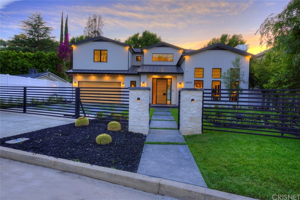 Photo of 14923 VALLEY VISTA BOULEVARD, Sherman Oaks, CA 91403
