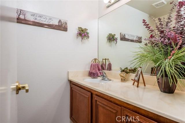 13225 Whistler Avenue, Granada Hills CA: http://media.crmls.org/mediascn/70afdf65-4253-4c4a-91ca-3c019825afb0.jpg
