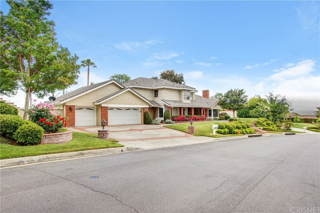 Photo of 21840 PARVIN DRIVE, Saugus, CA 91350
