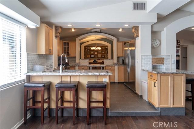 17219 Warrington Drive, Granada Hills CA: http://media.crmls.org/mediascn/70c2e7f0-f755-425c-89e4-ade875a3d022.jpg