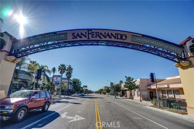 919 8th Street, San Fernando CA: http://media.crmls.org/mediascn/70cd7382-757a-4521-903d-9359e8f9da31.jpg