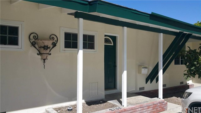 Single Family Home for Rent at 2437 Fordham St Costa Mesa, California 92626 United States