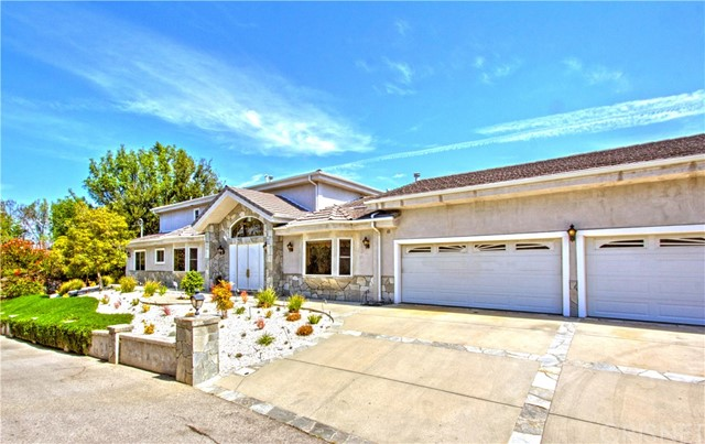 24833 Jacob Hamblin Road, Hidden Hills CA: http://media.crmls.org/mediascn/70dea140-134f-4f1f-b498-b392b8f66853.jpg