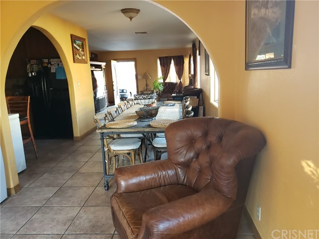 12479 Bradley Avenue, Sylmar CA: http://media.crmls.org/mediascn/713513ef-8d49-46a0-a23c-f03f7e243766.jpg