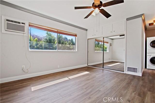 8614 Wentworth Street, Sunland CA: http://media.crmls.org/mediascn/715244be-da29-44c6-a7b1-9a4ad5cd2b87.jpg