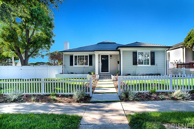 Single Family Home for Sale at 12233 Malone Street Mar Vista, California 90066 United States