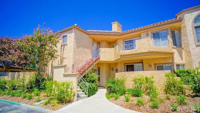 Property for sale at 23715 Del Monte Drive #202, Valencia,  CA 91355