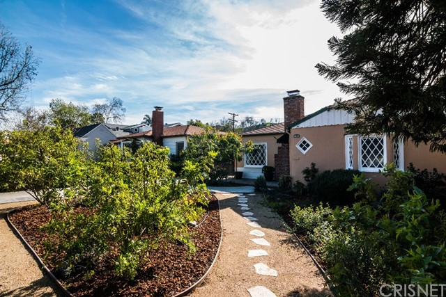Single Family Home for Sale at 1326 Fairfield Street Glendale, California 91201 United States