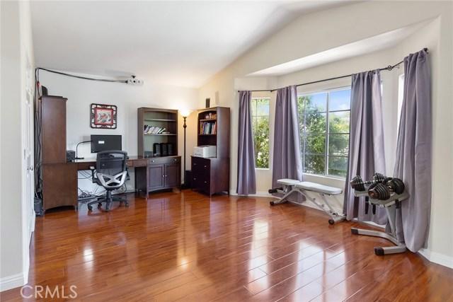 1399 Oak Trail Street, Thousand Oaks CA: http://media.crmls.org/mediascn/726e118c-0d58-4c08-a7f8-b783d69c9748.jpg