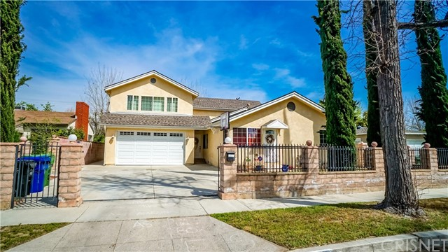 Single Family Home for Sale at 6512 Mary Ellen Avenue Valley Glen, California 91401 United States