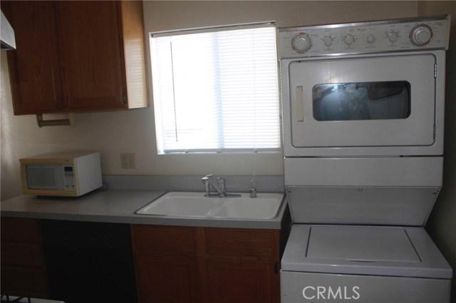 547 Saint Louis Av, Long Beach, CA 90814 Photo 17
