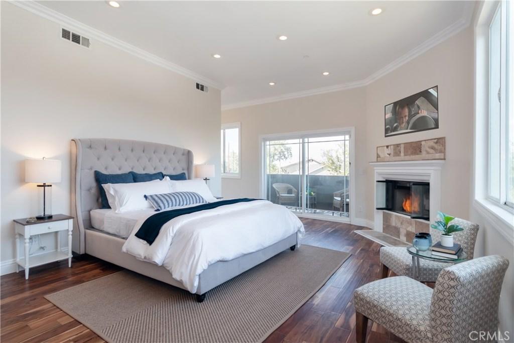 4519 Ensenada Drive, Woodland Hills, CA 91364