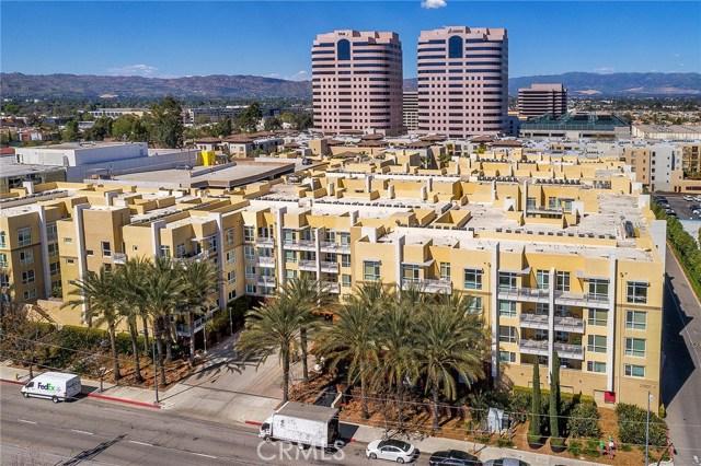 Photo of 21301 Erwin Street #438, Woodland Hills, CA 91367