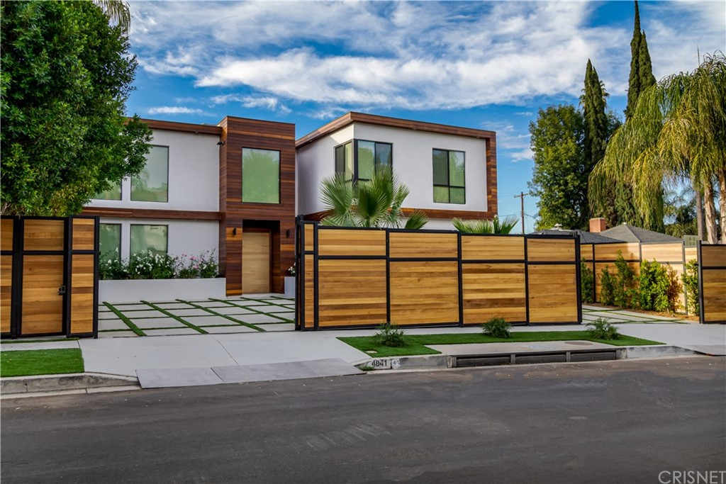 Photo of 4841 ALONZO Avenue, Encino, CA 91316