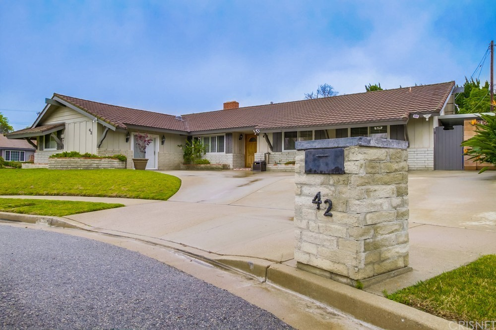 42 West Sidlee Street, Thousand Oaks, CA 91360