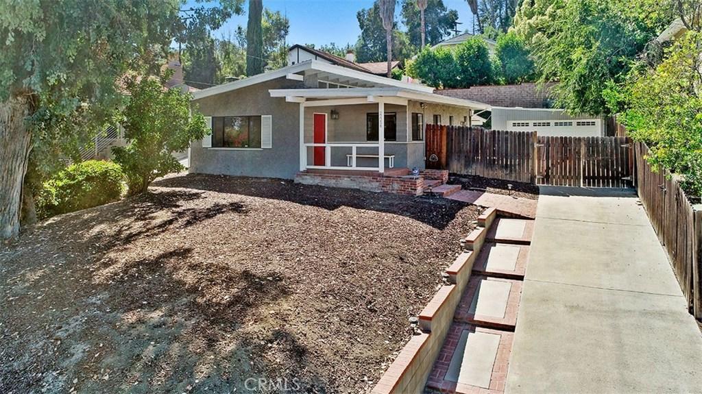 Photo of 22254 AVENUE SAN LUIS, Woodland Hills, CA 91364